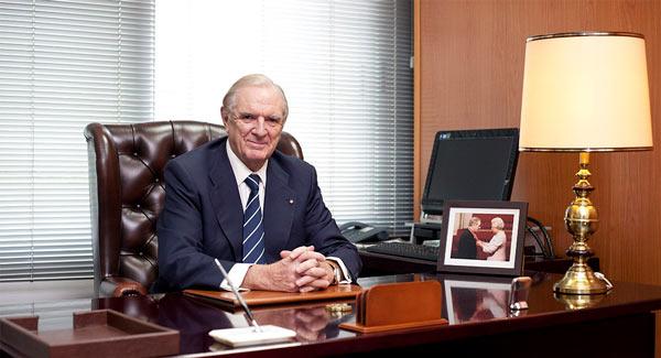 Основатель - Роджер Фрай
